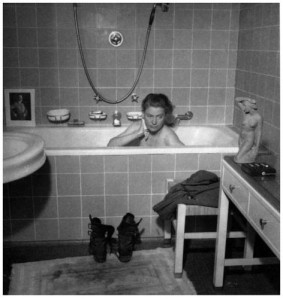 blackandwhite,hitlersbathub,leemiller,photojournalism,surrealism,warphotography-6bae44a725a147593cc4f2290484d2c3_h-1